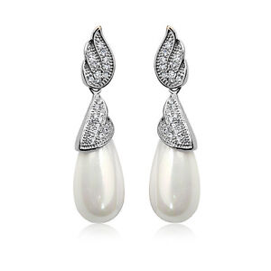18K-WHITE-GOLD-PLATED-GENUINE-CLEAR-AUSTRIAN-CRYSTAL-amp-PEARL-DANGLE-EARRINGS