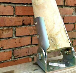 Pied de poteau inclinable Ø 8/10/12 cm. en acier galvanisé pour bois ronds