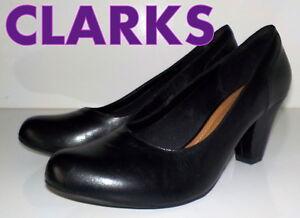 """Fabuleux """"clarks"""" Doux Coussin En Cuir Noir Escarpins Chaussures Uk 7.5 Eu 41.5 £ 75-afficher Le Titre D'origine"""