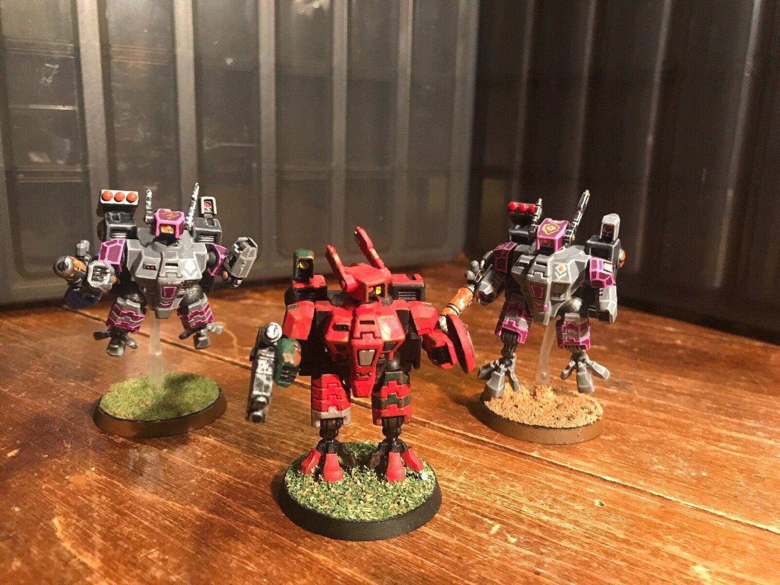 Warhammer 40k Tau Empire XV8 Crisis Battlesuits