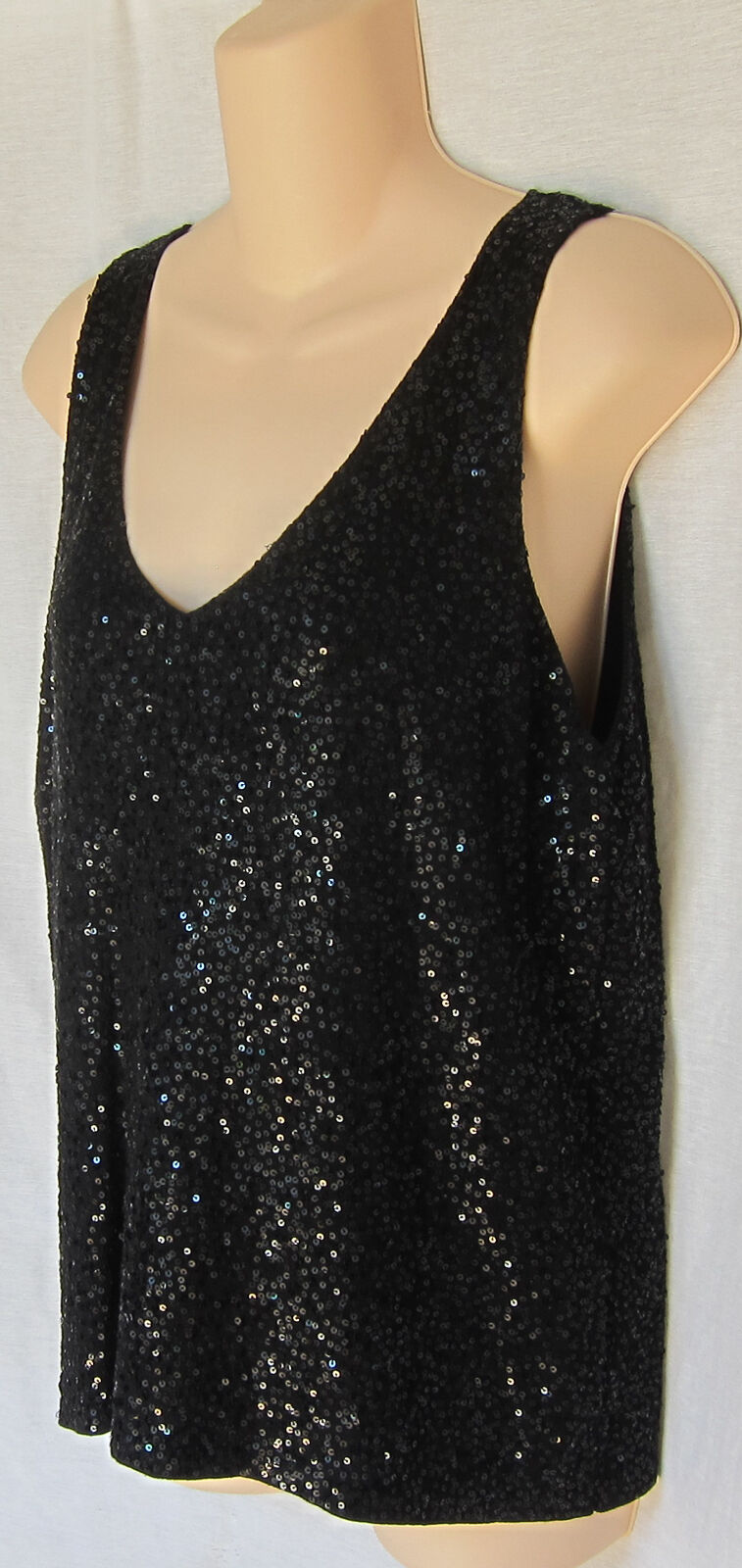 EILEEN FISHER SEQUINED SPARKLE DOUBLE-V SHELL M