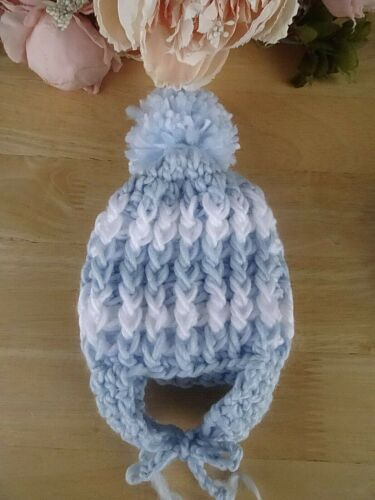 Baby Boy White Blue Striped Hand Knitted Crochet Pom-Pom Hat Ties NB-3-6-12m