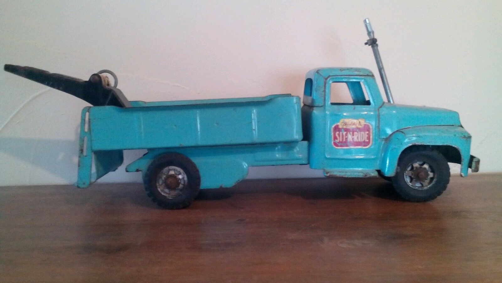 Buddy L Sit n Ride Wrecker Tow Truck 1962