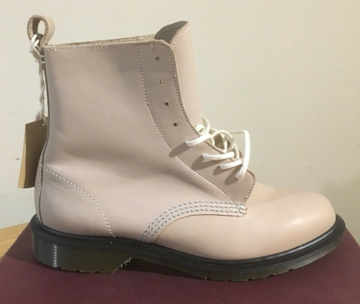 DR. MARTENS ARIAUNA LIGHT GREY TEMPERLEY  LEATHER  BOOTS SIZE