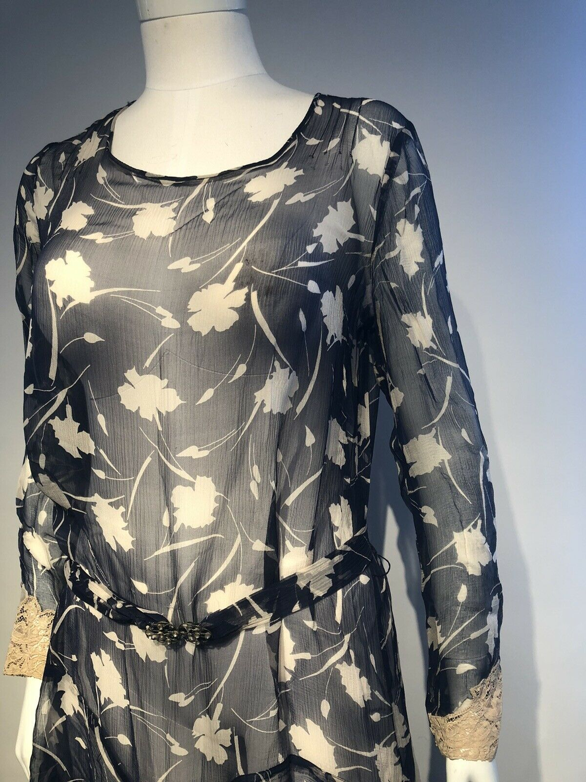 1920's Printed Silk Chiffon Dress  - image 11