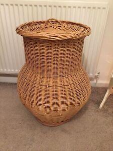 Vintage-Alibaba-Wicker-Laundry-Basket