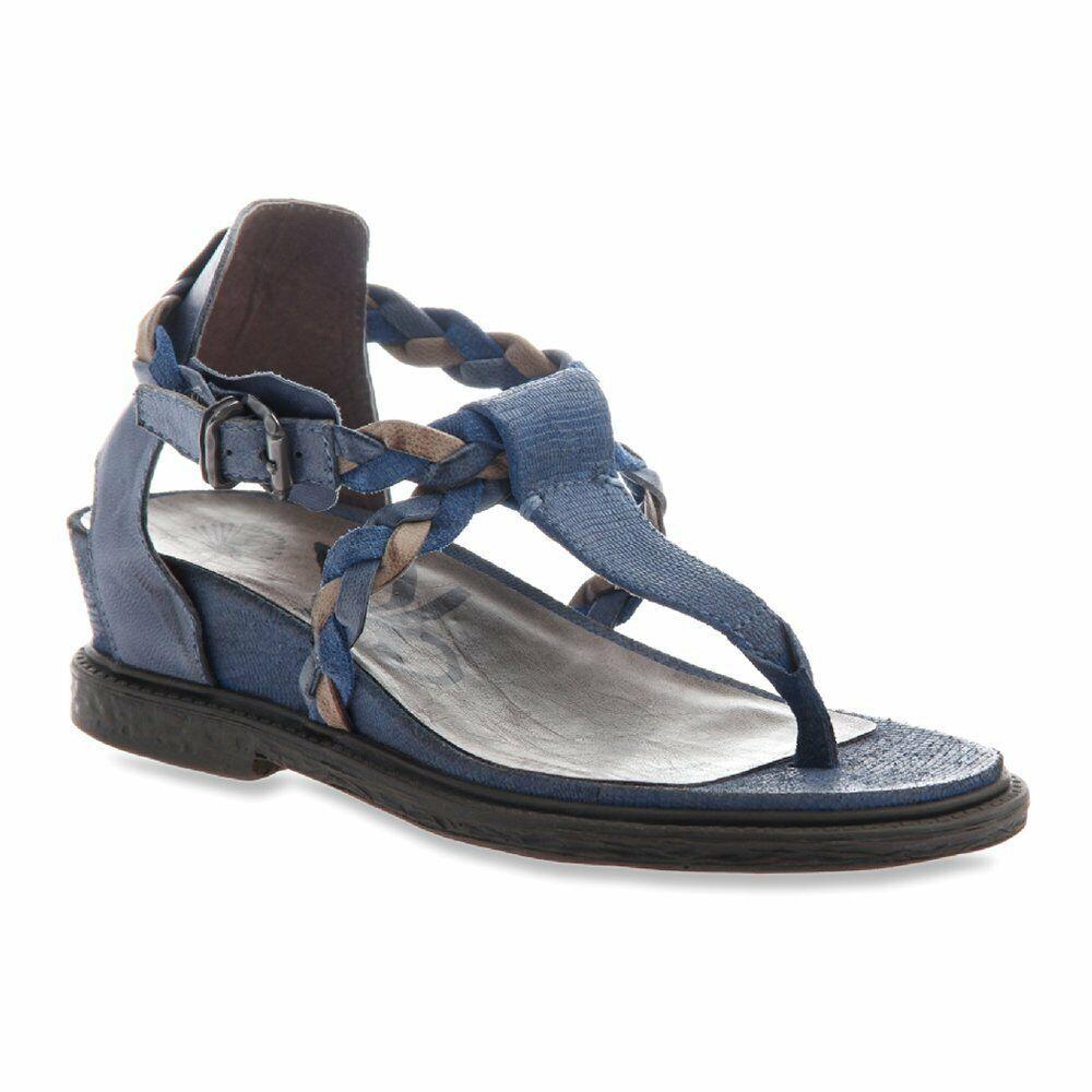 Nouveau OTBT Femmes Sandales terrestre en Bleu-Taille 7.5 M US