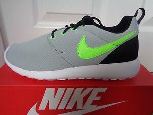 cf4fd66267b0 Nike Roshe One (GS) trainers sneakers 599728 uk 4 eu 36.5 us 4.5 Y ...