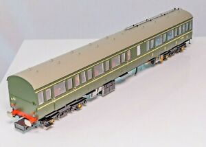 Bachmann 35-500 (Split),OO Gauge,  DMU Class 117 Centre Car split from 3 car set