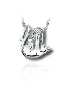 925 Sterling Silver charm  Necklace Kitten with Yarn