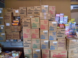 Gigantic-Estate-Sale-Of-Old-Baseball-Card-Packs-Plus-One-FREE-Mantle-Card