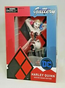 DIAMOND-SELECT-TOYS-DC-Gallery-Suicide-Squad-Harley-Quinn-PVC-Diorama-Figure