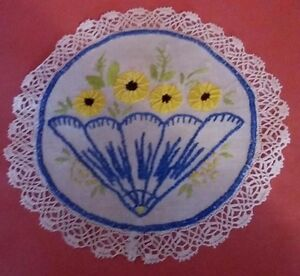 Napperon-ancien-Broderie-Antique-French-Doily