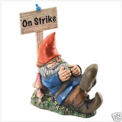 "9/"" /'On Strike/' Garden Yard Patio GNOME Statue Figure"