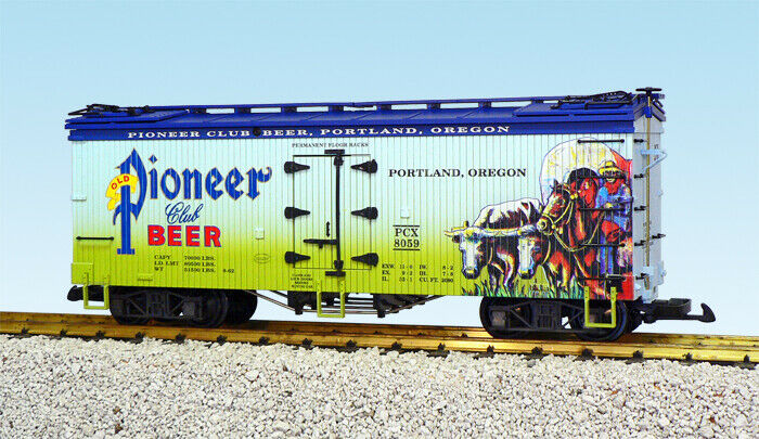 USA Trains G Scale US Reefer Car R16432 Pioneer Club Beer – Two Tone bluee Green