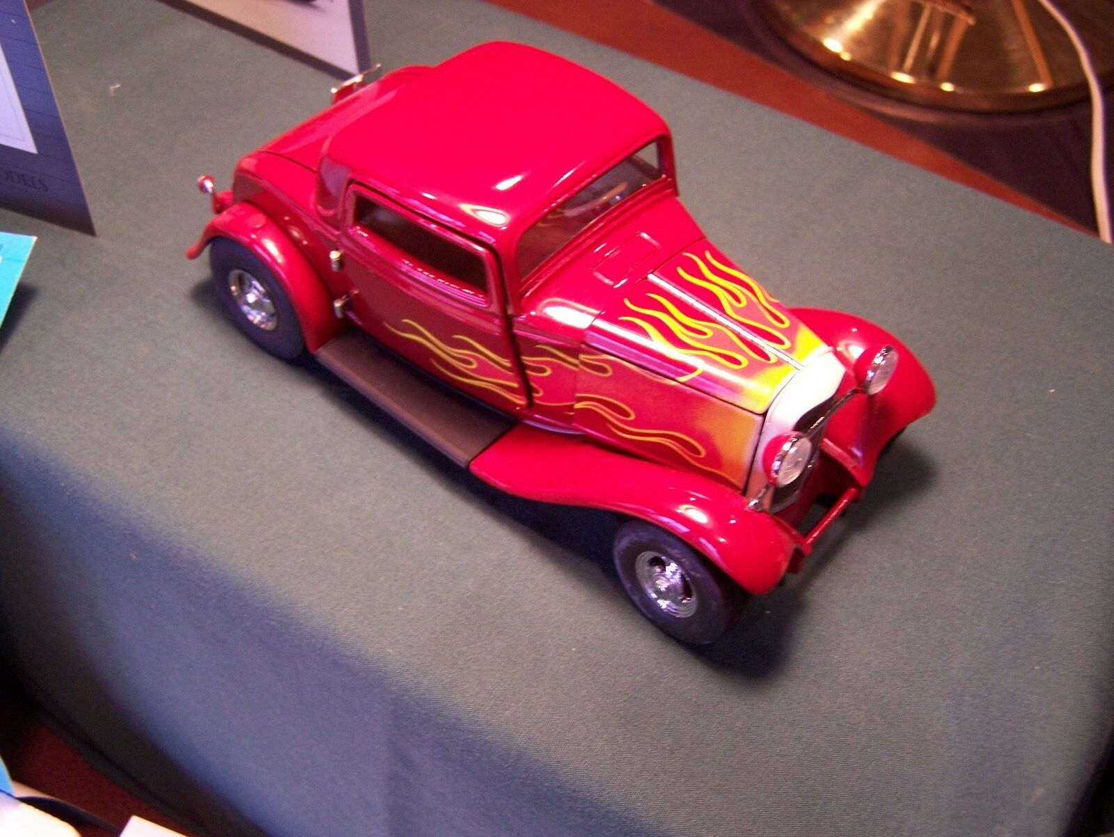 MIB FRANKLIN MINT 1932 FORD BOYD DEUCE  HOT ROD W  PAPERWORK BOX