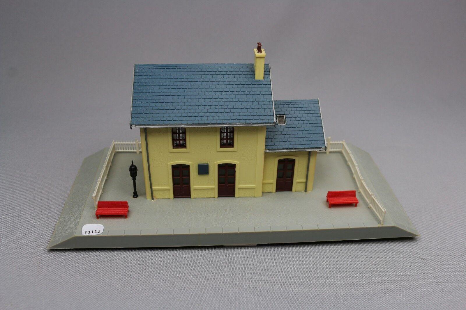 Y1112 Jouef 1985 maquette train Ho 1 87 gare de villeneuve assemblé