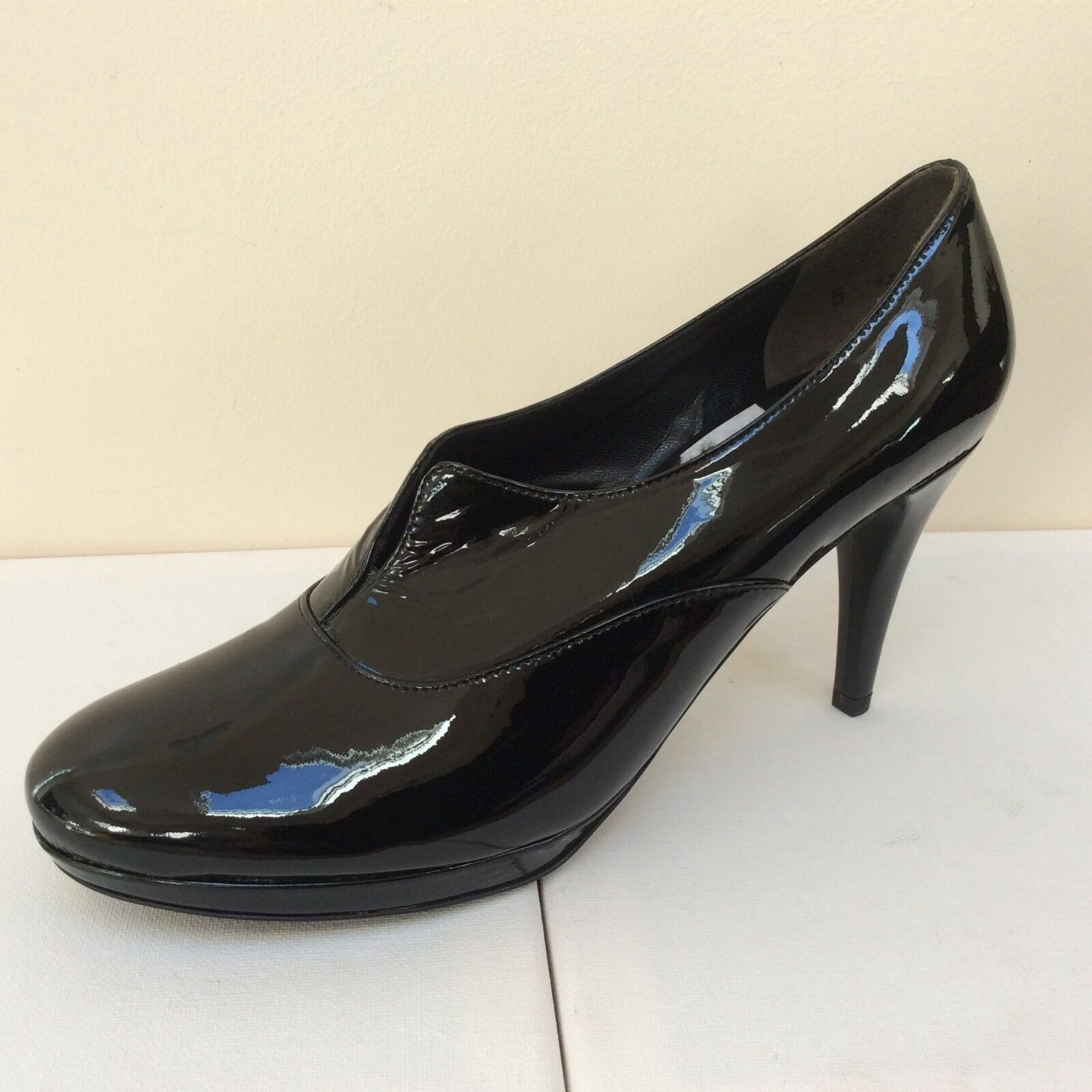 K&S Duffy noir patent court chaussures, UK 6 EU 39,   BNWB