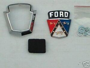 1950 1951 50 51 Ford Coffre Crest Plastique Emblème W/lunette Neuf Exquis (En) Finition