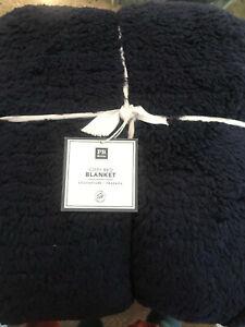 Pottery Barn Teen Cozy Bed Blanket Full Queen Classic Navy