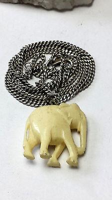 """62 cm lange Silberkette 835 u. """"B"""" gestempelt-handgearbeiteter Bein-Elefant"""