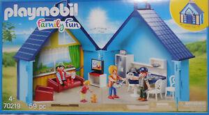PLAYMOBIL-Fun-Park-70219-Ferienhaus-mit-Kueche-Wohnzimmer-Fernseher-Rico-NEU