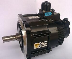 NEW Yaskawa Brushless Servo Motor SGMGV-05DDL6H 450W 400V 0 45kW 20