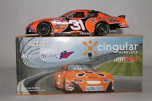 ACTION-NASCAR-DIECAST-ROBBY-GORDON-31-CINGULAR-MONTE-CARLO-AUTOGRAPHED-1-24