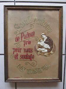 ancien-cadre-canevas-tapisserie-points-de-croix-represente-ST-ANTOINE-DE-PADOUE