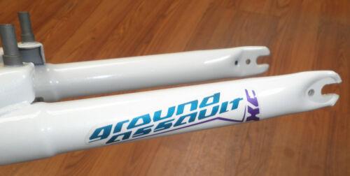 "GROUND ASSAULT 24/"" WHITE BICYCLE SUSPENSION FORK BIKE PARTS 726"