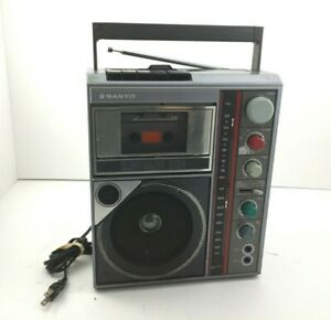 Sanyo-PAT-K1F-Boombax-Karaoke-AM-FM-Echo-Cassette-2xx-Mic-Inputs-Tested-amp-Works