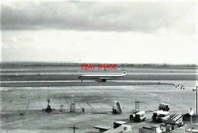Aggressive Photo De Havilland Comet 4b G-apmd 'william Denning' Of Bea At Heathrow Airport Rich And Magnificent
