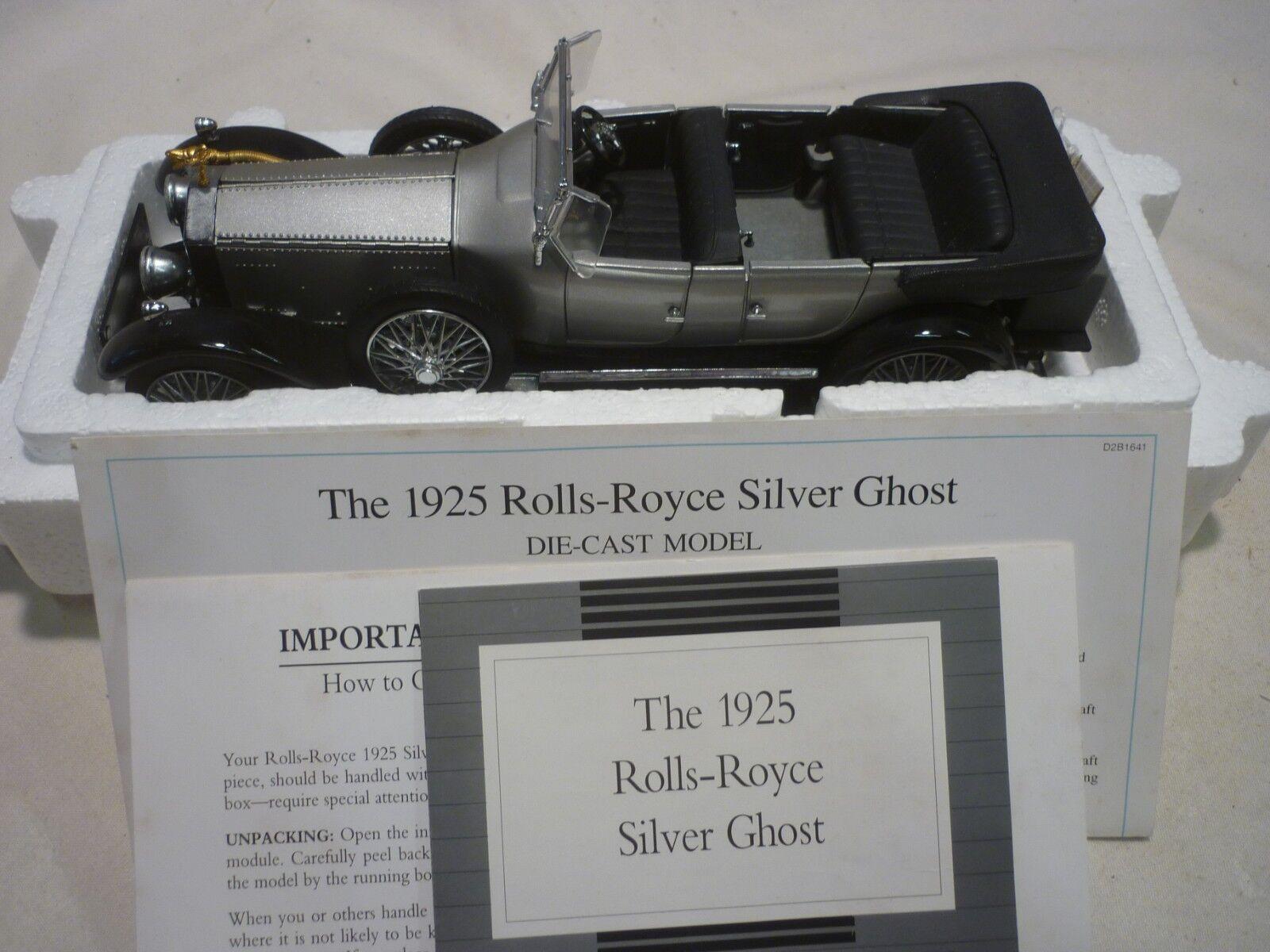 Un Franklin Mint, 1925 Rolls Royce Fantasma De argento, trabajo en papel, en Caja