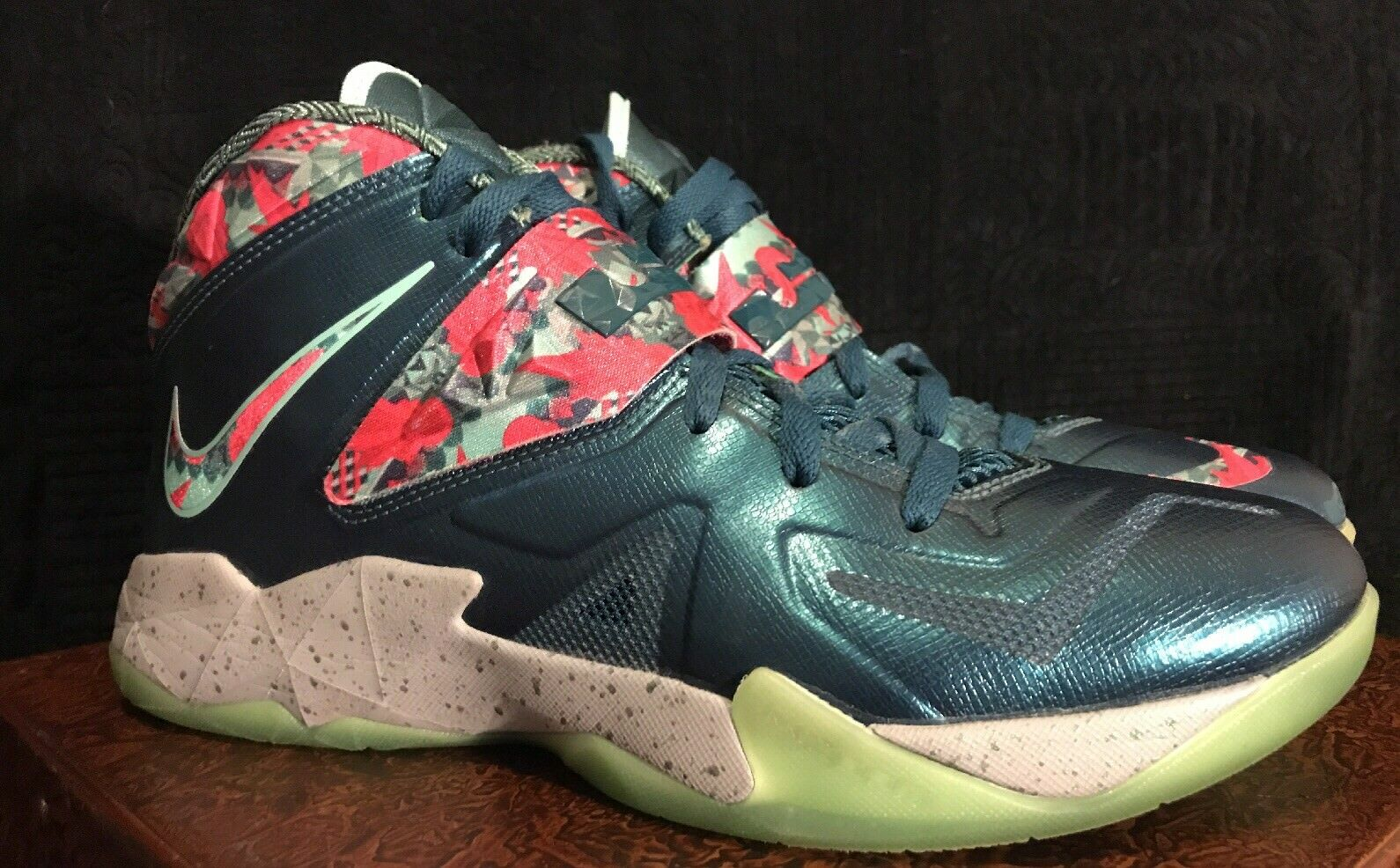 Nike Zoom Soldier VII 7 LBJ Lebron James Power Couple Drk sea/ floral Size US 10