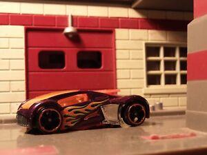 Hot-Wheels-Phantom-Racer-Metalico-Morado-Aproximadamente-1-64-Diecast