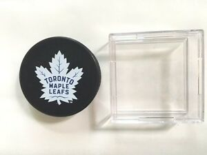 Sherwood-Toronto-Maple-Leafs-Fan-Hockey-Puck-and-Display-Case-NHL