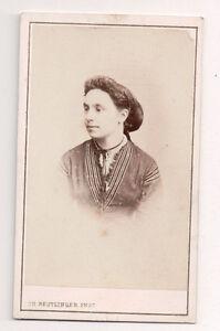 Vintage-CDV-Unknown-french-Lady-Ch-Reutlinger-Photo-Paris