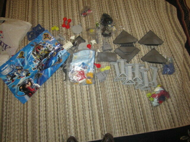 Playmobil Set 3079 Space Station some pieces still sealed