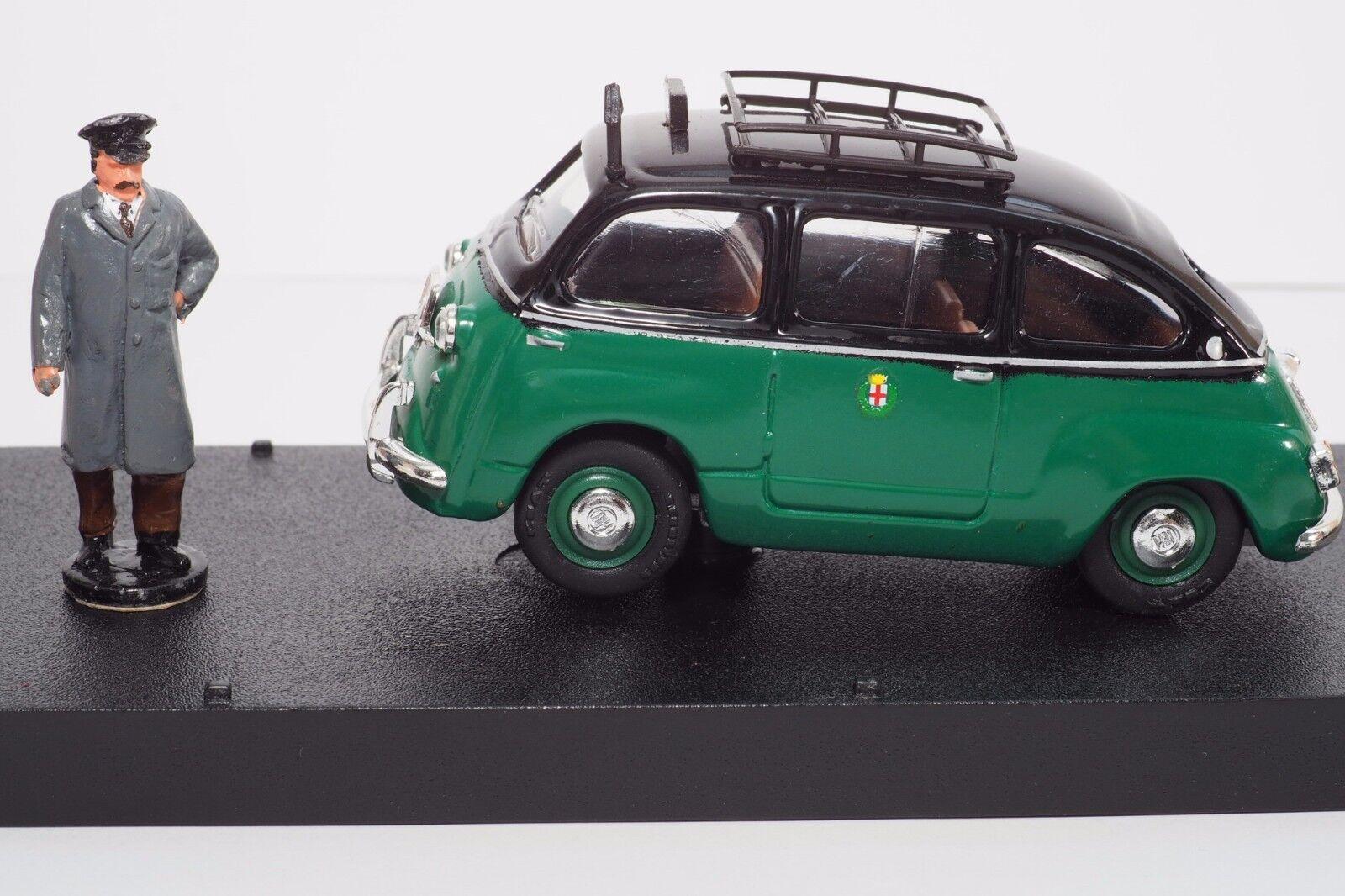 1 43 Giocher GR11 Fiat 600D Multipla Taxi Rome w  figure