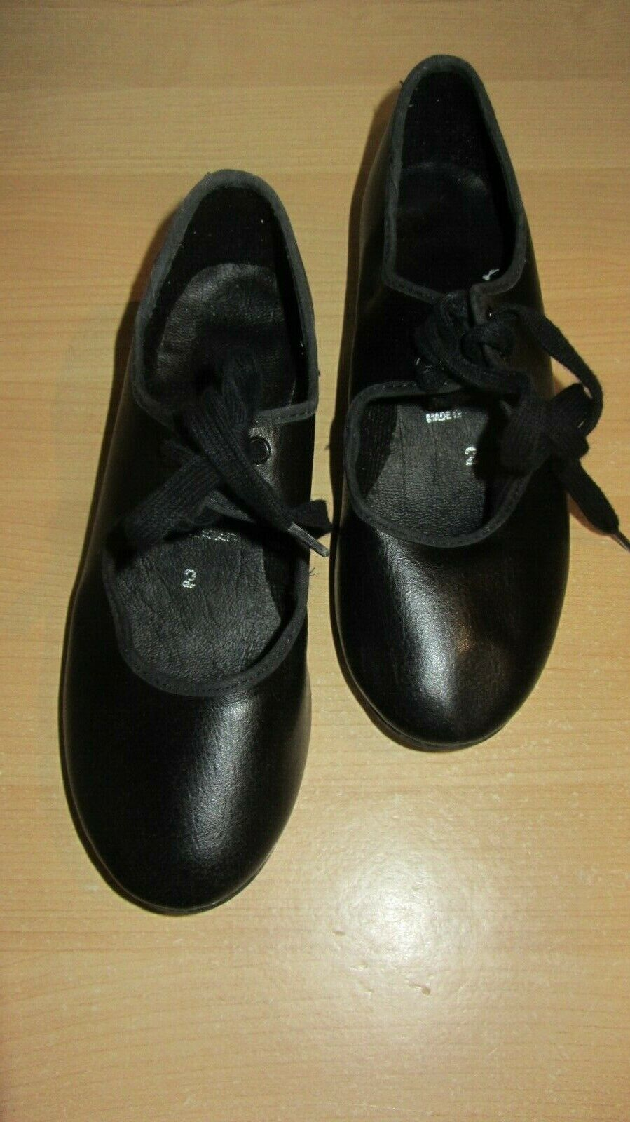 GIRLS *ROCH VALLEY* Black With TOE Taps Size 2