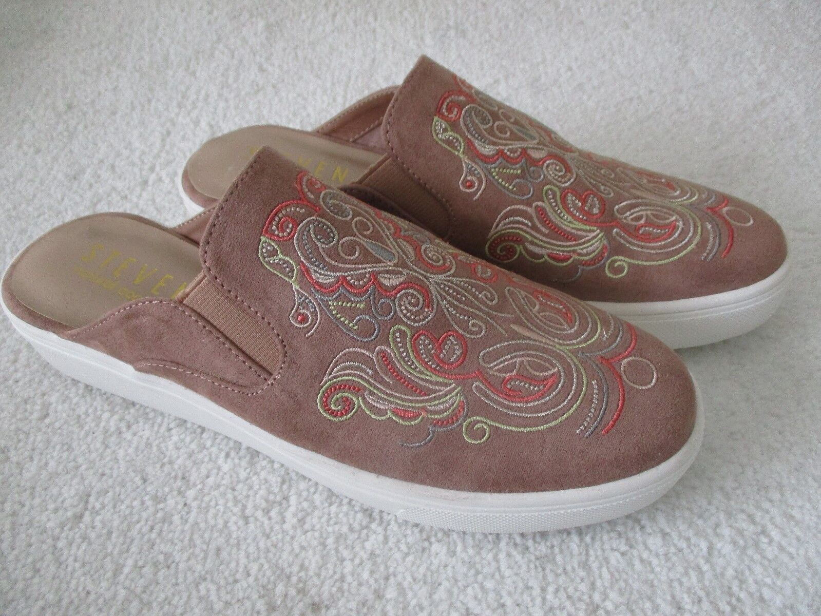 STEVEN NATURAL COMFORT MAUVE EMBROIDERED SNICKERS SIZE 12 W - NEW