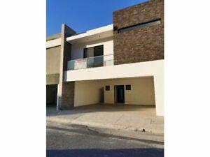 Casa en Venta Cumbres Santoral con Amplio Patio, García