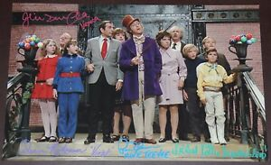 11-034-X-17-034-WILLY-WONKA-CHOC-RM-STAIRS-AUTOGRAPHED-SIGNED-BY-FIVE-BONUSES