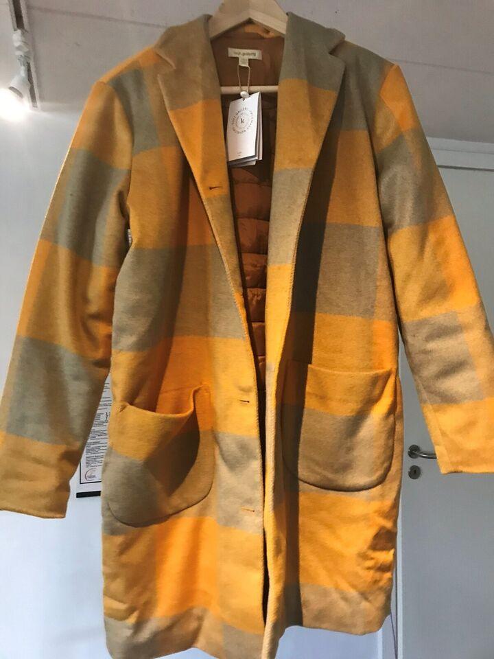 Frakke, Overgangs, Soft Gallery