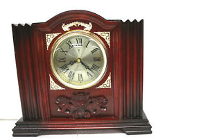 Polaris-Art-Deco-styled-mantel-clock-Cherry-wood-Works-Great