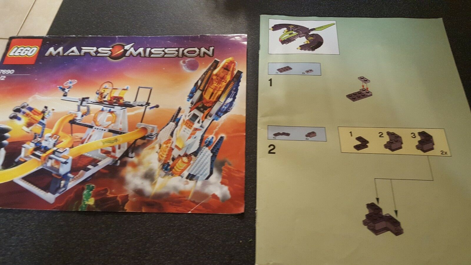 Lego 7690 (Book (Book (Book 1 & 2)  Mars Mission   Hundred's Of Pieces 96a65a