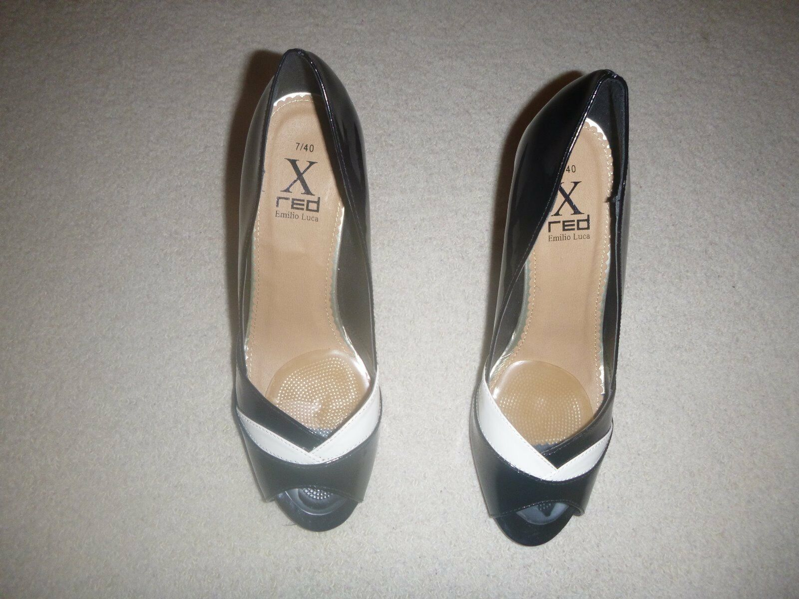X Red Black White Patent Leather Open Toe Court shoes (New) UK 7    EU 40