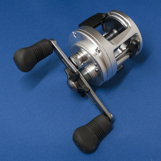 SHIMANO 13 CALCUTTA 400 RIGHT   - Free Shipping from Japan