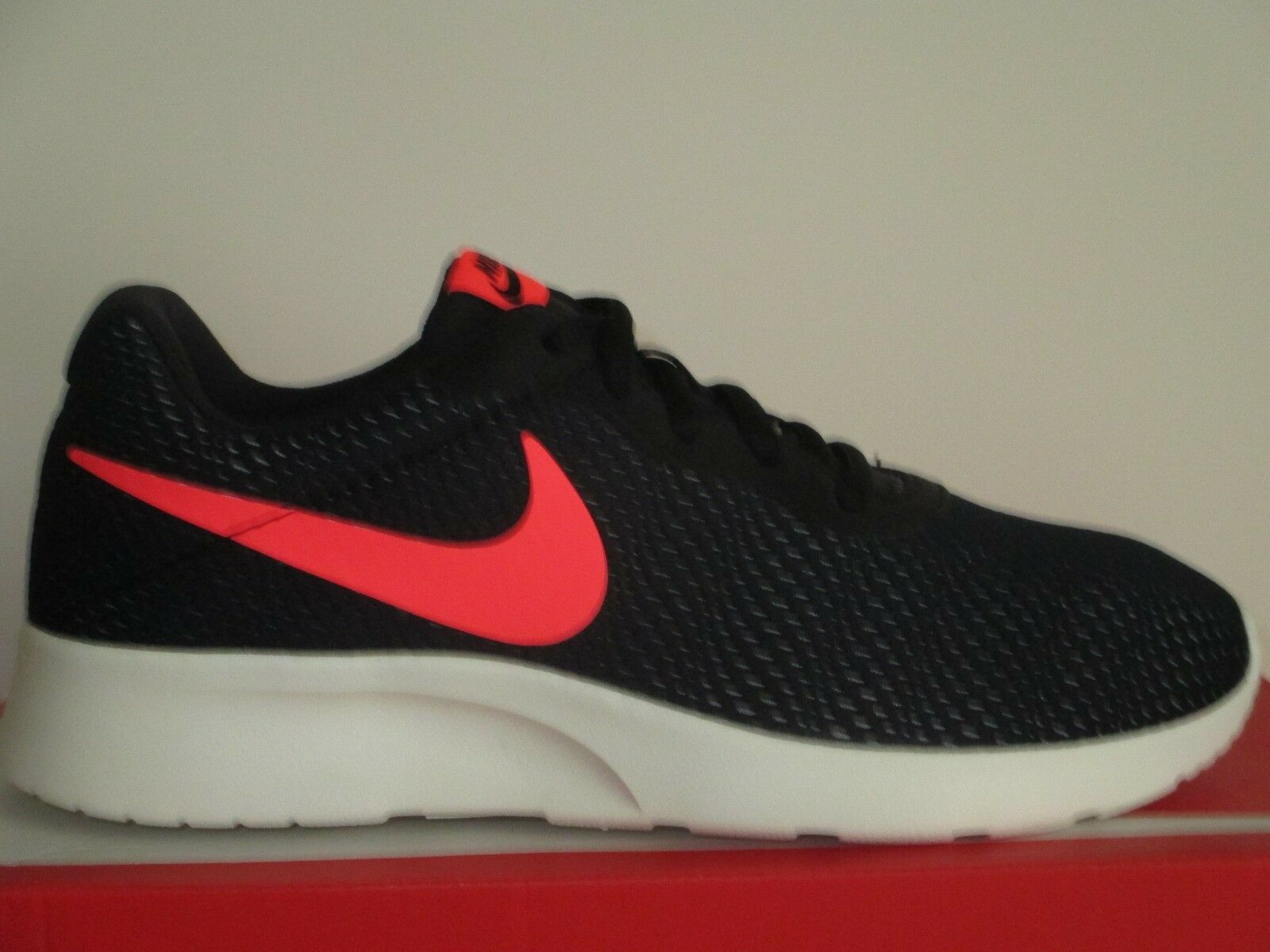 Nike tanjun se (nero / rosso / solare Uomo correndo platino)