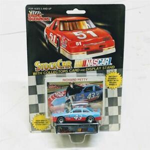 1990-Nascar-Racing-Champions-Richard-Petty-43-STP-Stock-Car-Card-Display-Stand